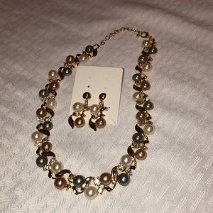 Elegant Pearl Necklace and Earrings